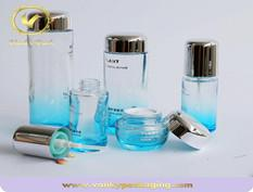 Cosmetic glass jar into the era of high-end cosmetics packaging