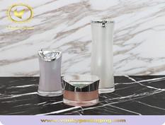 Features of acrylic cream jar