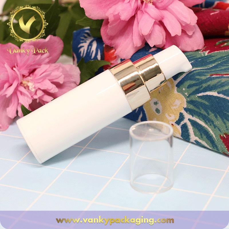 Wholesale white Plastic bottle cosmetic packaging with gold pump