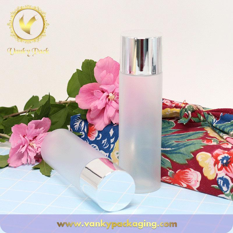Newly frosted PET bottle plastic cosmetic bottle with silver cap