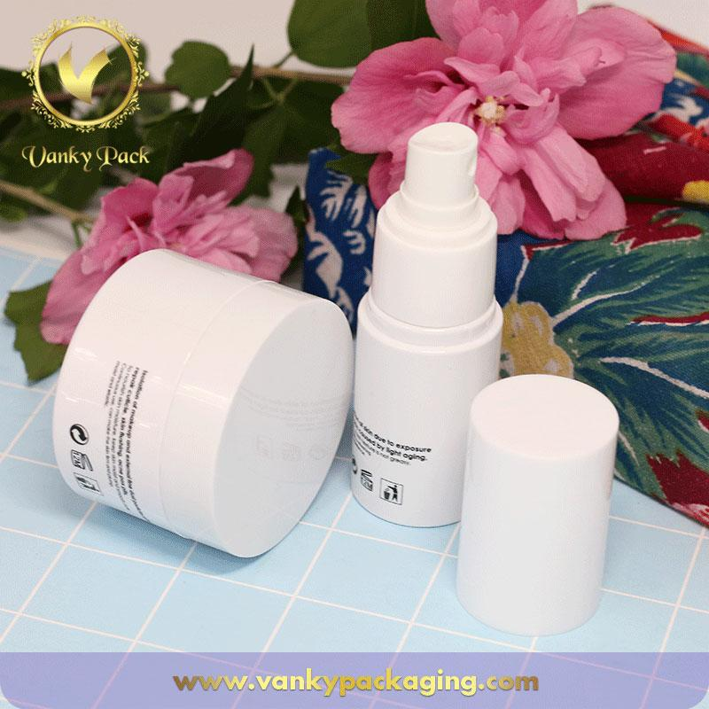 Customized design and logo empty cosmetic set plastic bottle and jar