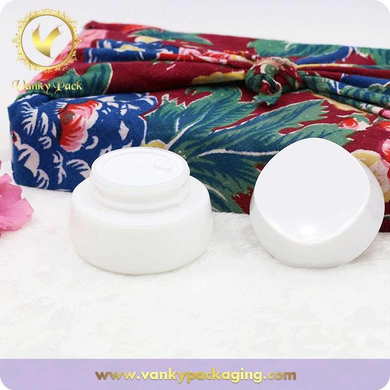 Round Square Shape White Porcelain Glass Jar For Cosmetic Cream