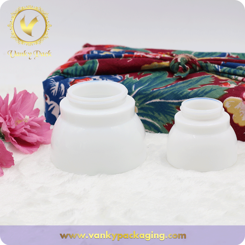 Special Shape Round Cream White Glass Jar With Screw Cap Packaging
